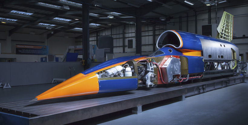 Bloodhound SSC и Jaguar V-8