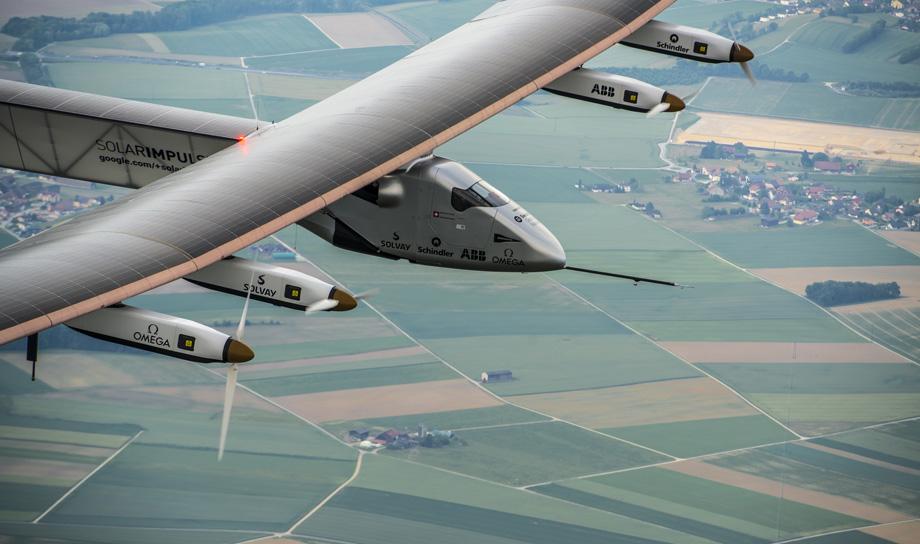 Самолёт на солнечных батареях Solar Impulse 2 совершил полёт над Тихим океаном