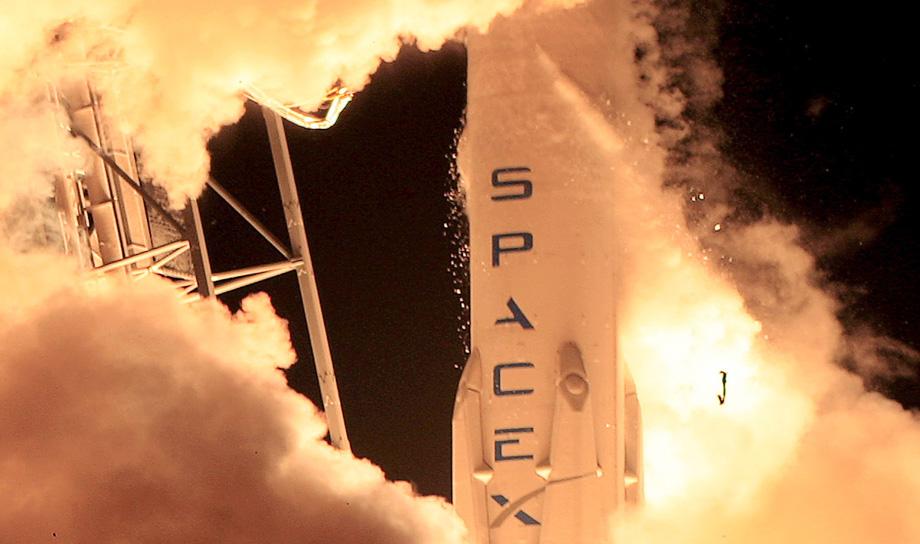 В компании SpaceX заподозрили конкурентов в причастности к взрыву своей ракеты